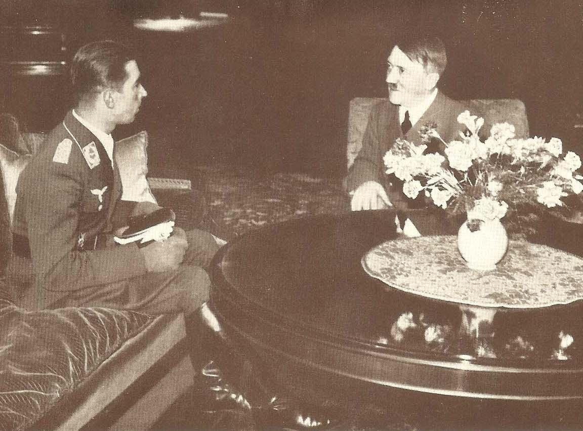 Mölders mit Hitler